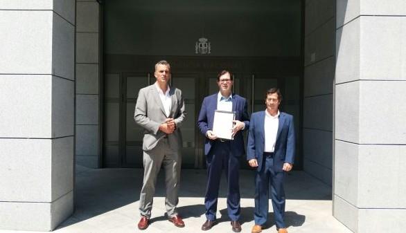 Investigan si el líder de VOX fue torturado en Gibraltar