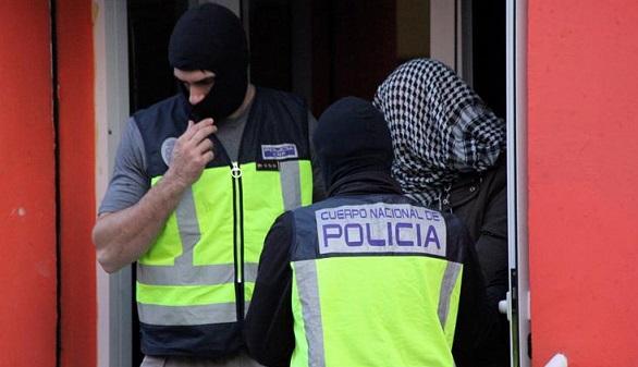 Prisión para seis detenidos por enviar armas a Estado Islámico