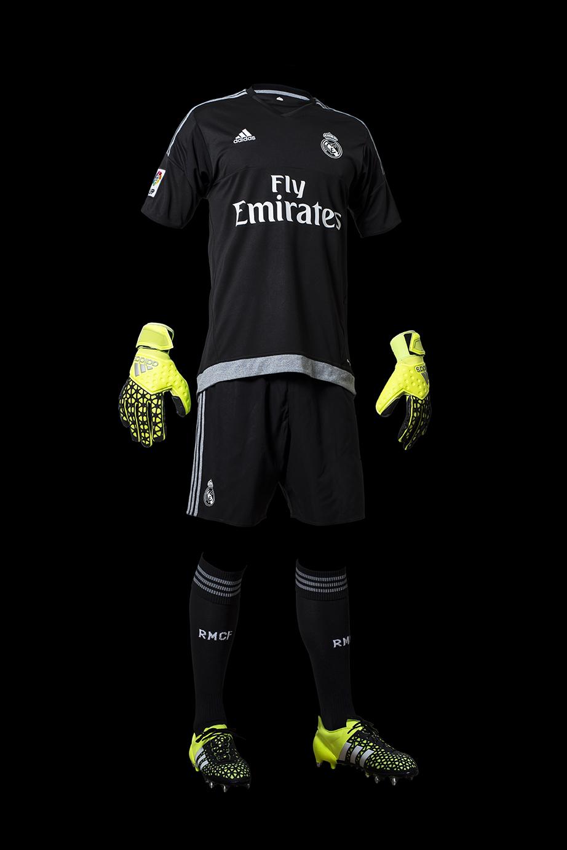 El Real Madrid estrena equipación. Foto  Adidas 3ce5b9d1cdf13