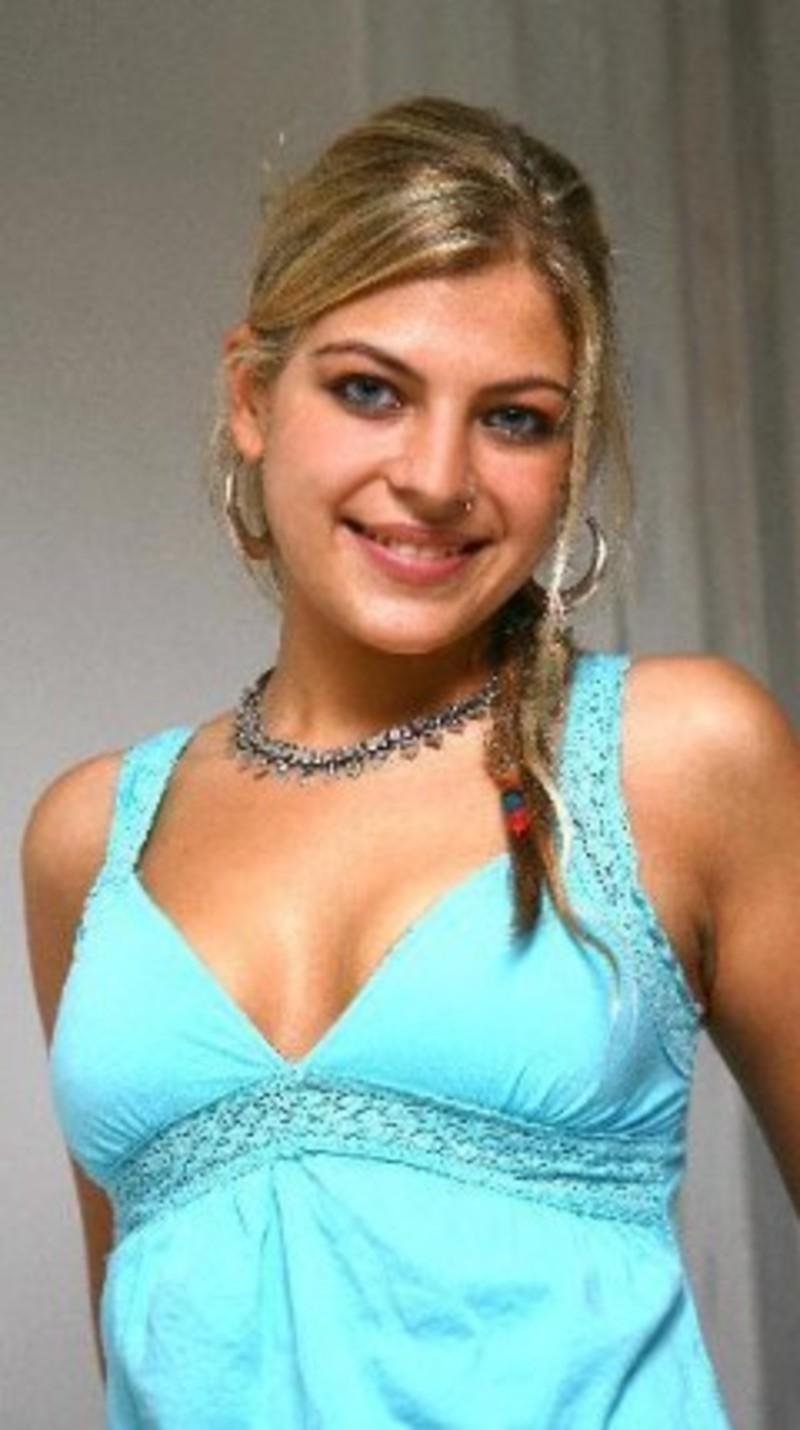 Angelica Celaya Nude Photos 34