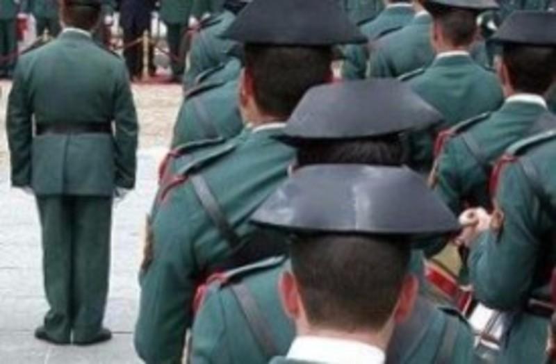 Interior entorpece las primeras elecciones en la guardia for Interior elecciones