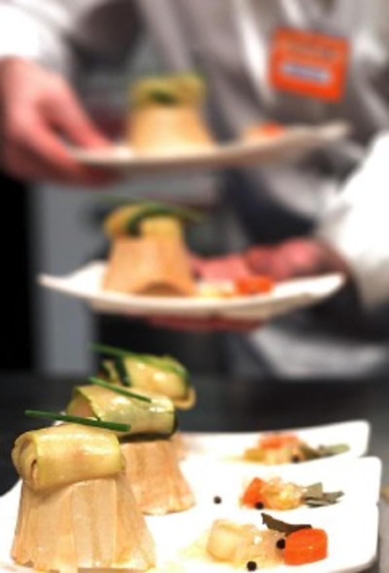 Ferr n adri recibe el premio al mejor jefe de cocina de for Ferran adria comida