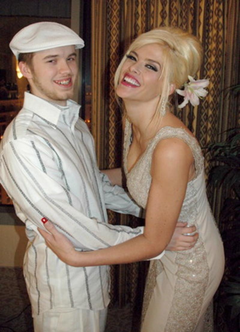 Anna Nicole Smith Daughter And Son El hijo de Anna ...