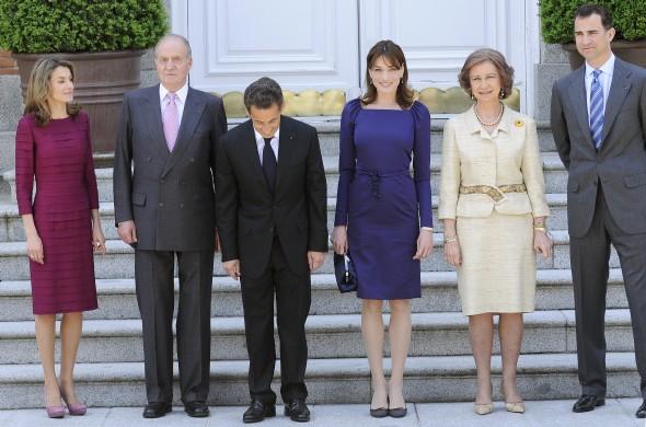 Foto de familia de los Reyes, los Príncipes de Asturias y el matrimonio Sarkozy. Manuel Engo