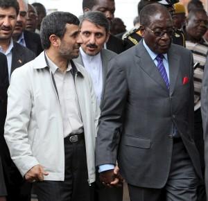 Mahmud Ahmadineyad y Robert Mugabe (EFE).