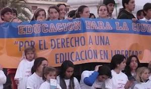 Manifestación contra la asignatura de Educación para la Ciudadanía. Foto: HazteOir.org