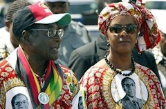 Robert y Grace Mugabe.